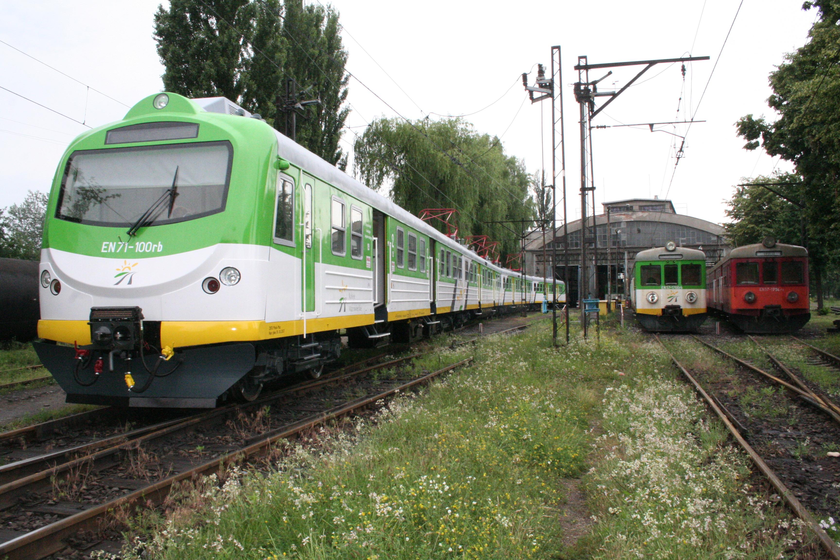 electric multiple traction units en71km koleje mazowieckie